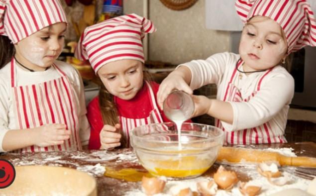 Perché giocare alla cucina con i bambini
