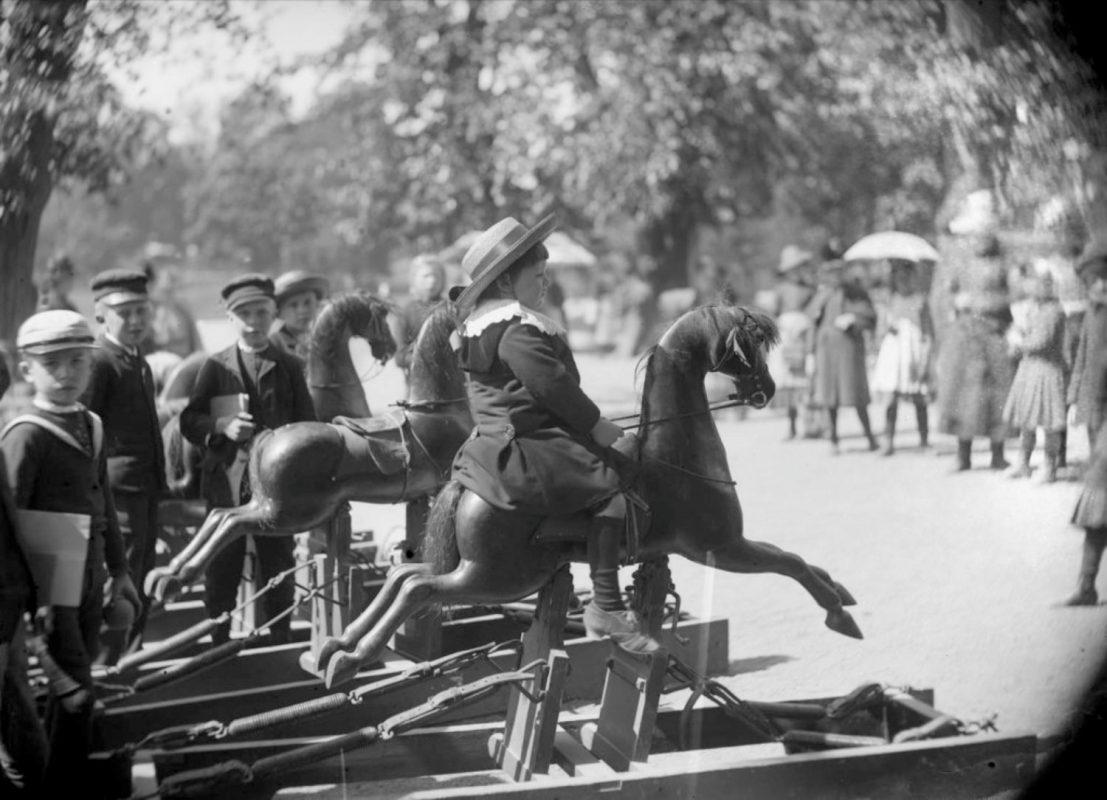Storia del cavallo giocattolo e spunti di riflessione - Dida