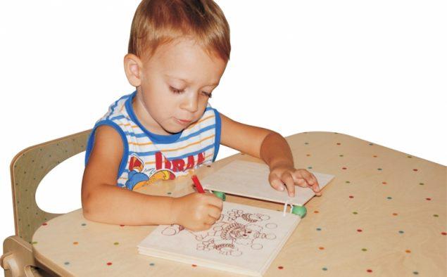 """Dare al bambino """"nativo digitale"""" un libro di legno?"""