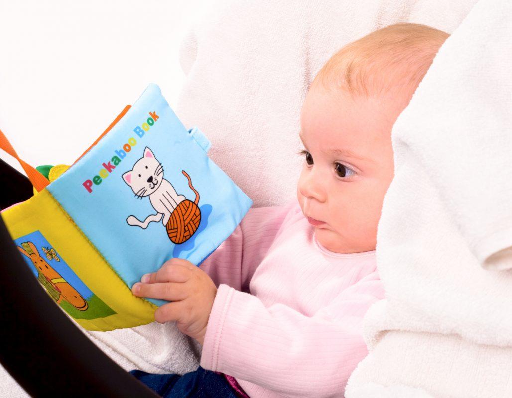 Quando iniziare a leggere le favole ai bambini
