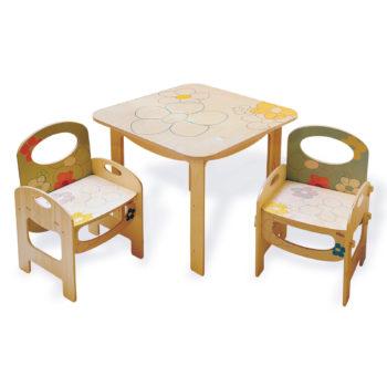 Tavolino in legno per bambini, arreda gli spazi dedicati ai più piccoli - Dida