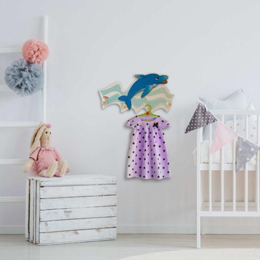 Attaccapanni in legno per bambini – Delfino