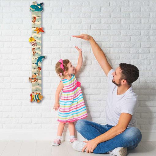 Metro crescita legno da parete per misurare l'altezza dei bambini - Dida
